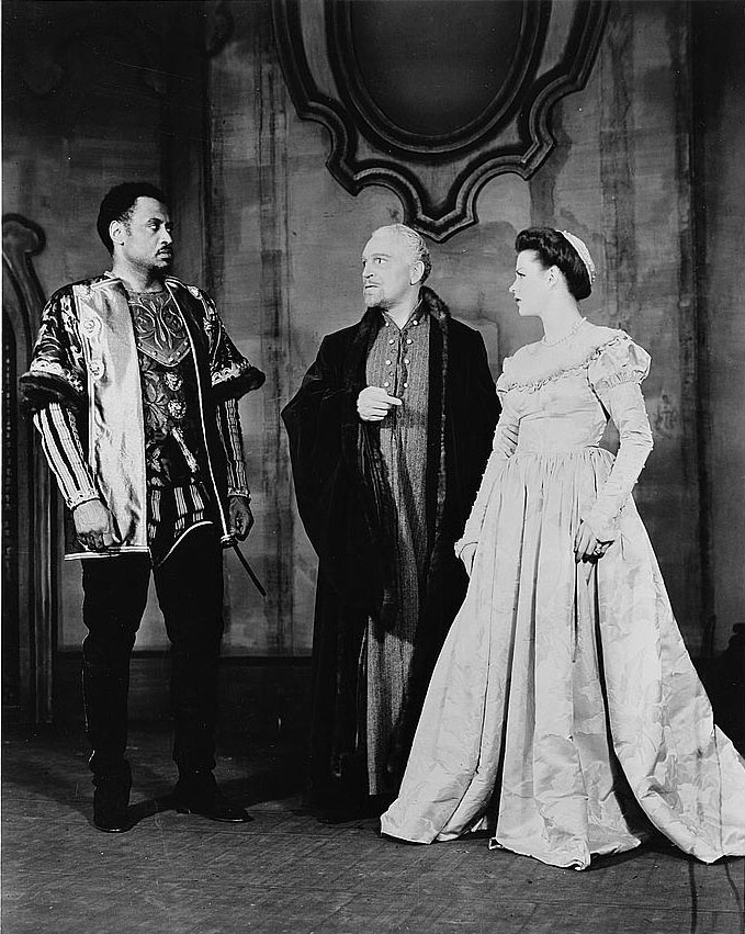 the similarities between iago and othello in shakespeares othello Shakespeares play othello vs nelsons film o english literature essay in othello, iago jealousy and urge for in othello, shakespeare uses the term moor and.