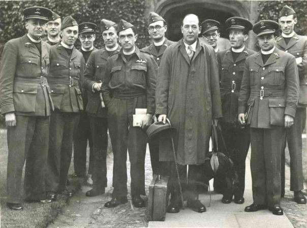 Lewis lecturing to the RAF in WWII.