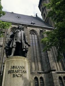 monument-to-johann-sebastian-bach-outside-st-thomas-church-leipzig-germany